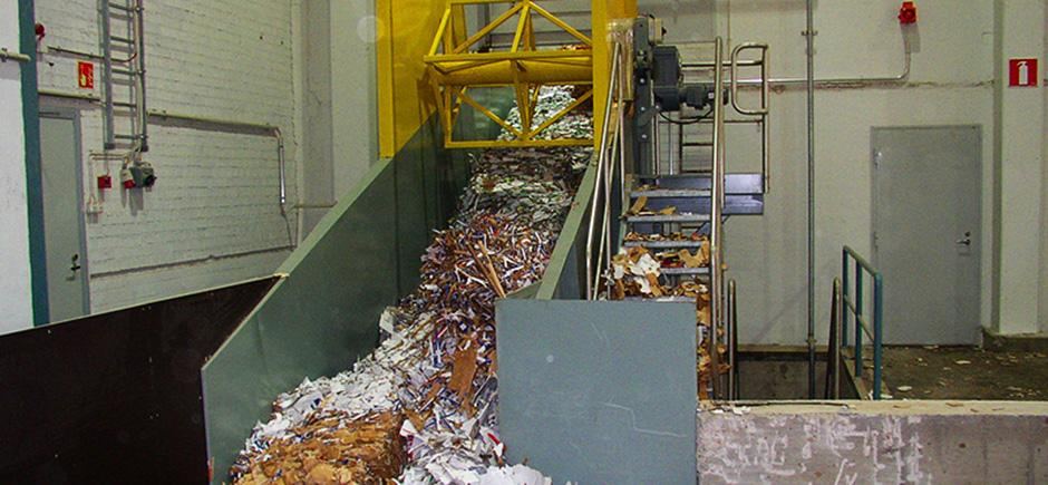 Broke conveyor used in forest industry